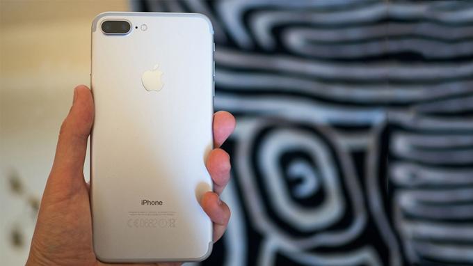 iPhone 7 Plus 128GB chưa active chỉ tầm 17 triệu - 196456