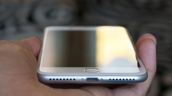 thiet-ke-iphone-7-plus-128gb-chua-active-ban-my-ll-duchuymobile-1
