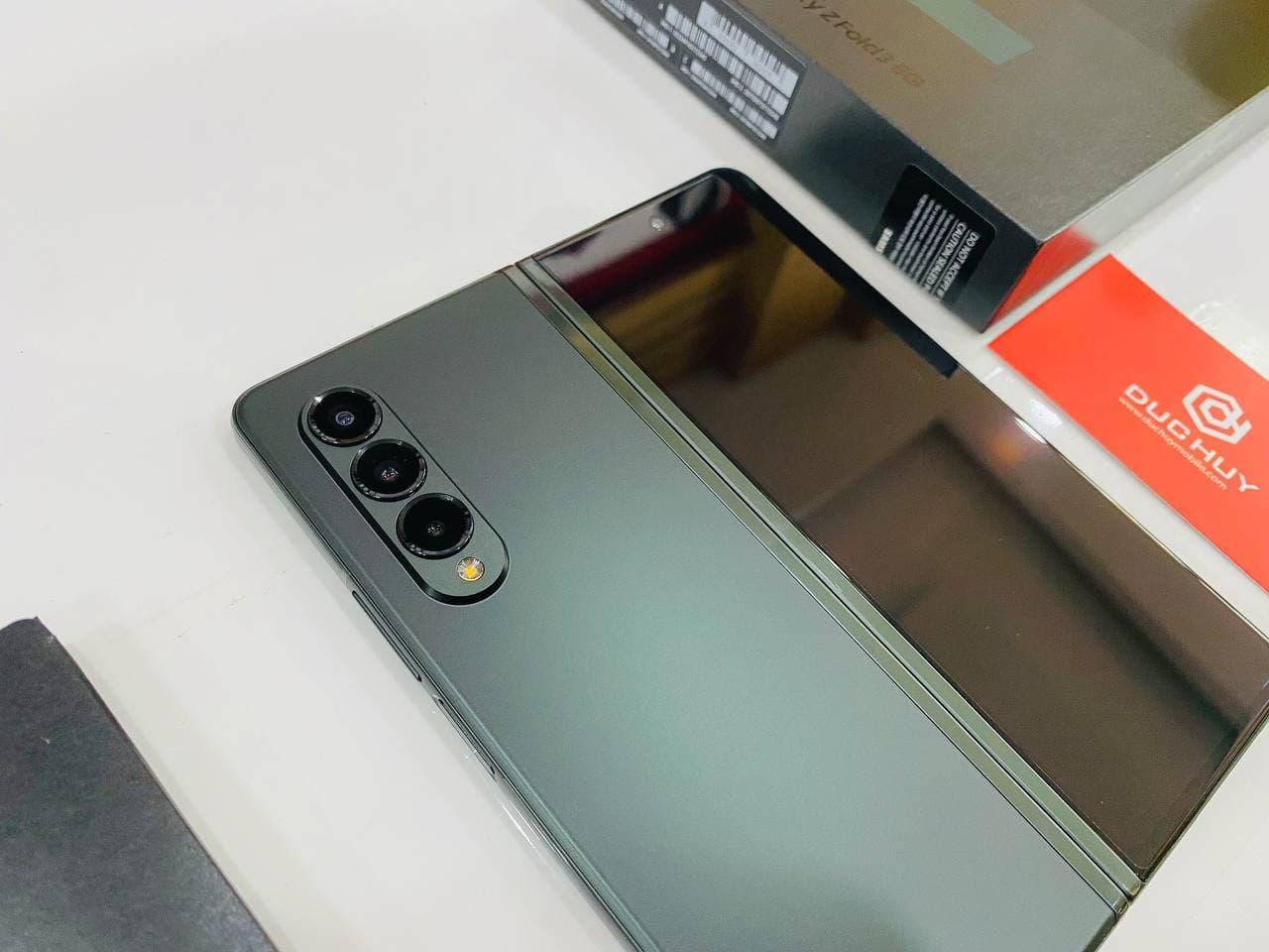 ngoại hình Galaxy Z Fold 3 5G 256GB