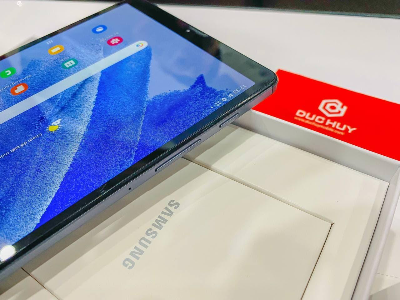 cạnh bên Samsung Galaxy Tab A7 Lite