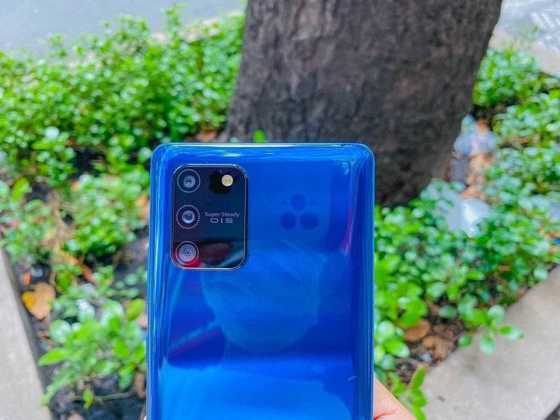 thiết kế Galaxy S10 Lite