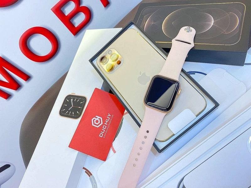iPhone 12 Pro và Apple Watch S6