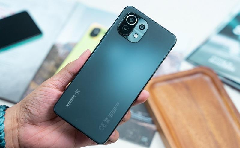 Mặt sau Xiaomi Mi 11 Lite 5G