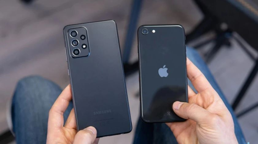 So sánh Galaxy A52 vs iPhone SE 2020