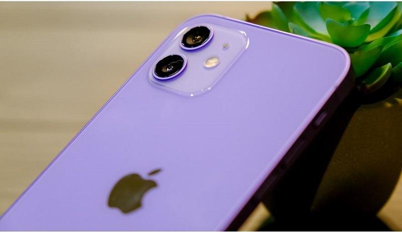 Mặt sau iPhone 12 tím