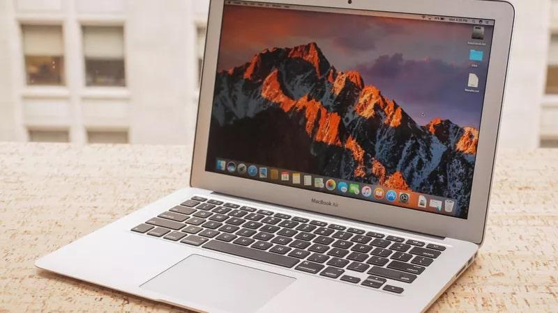 Macbook cũ