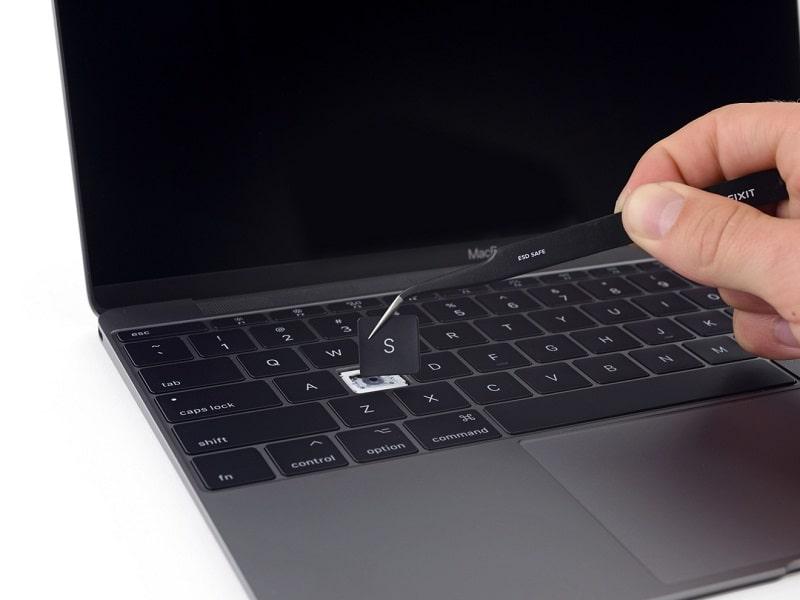 Bàn phím Macbook cũ