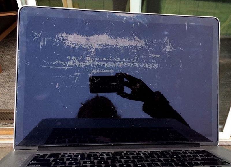 Màn hình Macbook cũ