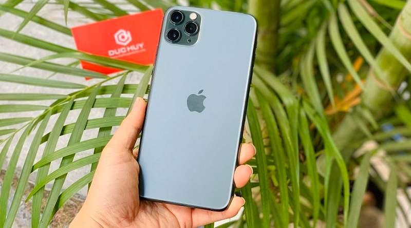 Trên tay iPhone 11 Pro Max trôi bảo hành