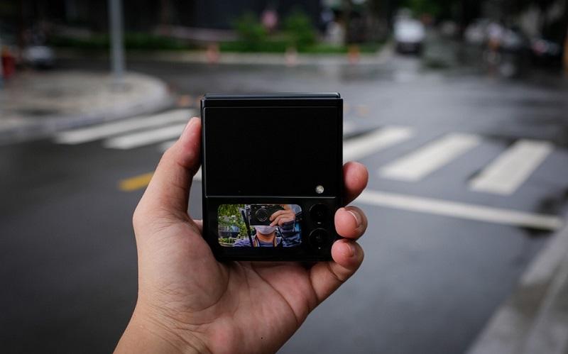 Màn hình phụ Samsung Galaxy Z Flip 3 5G 128GB