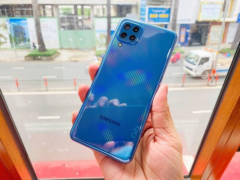 Mặt lưng Samsung Galaxy M32 8GB | 128GB