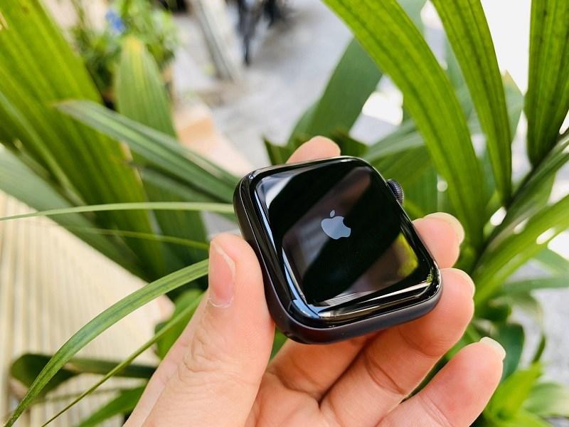 apple series 5 44mm lte đánh giá mặt