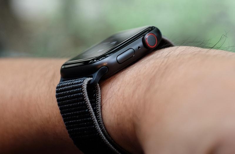 kết nối Apple Watch SE 44mm (4G)
