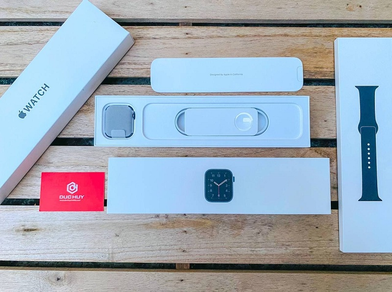 Apple Watch SE 44mm (GPS) fullbox