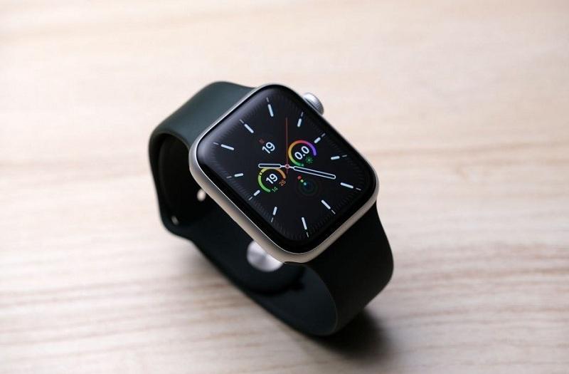 hiển thị Apple Watch SE 44mm (GPS)