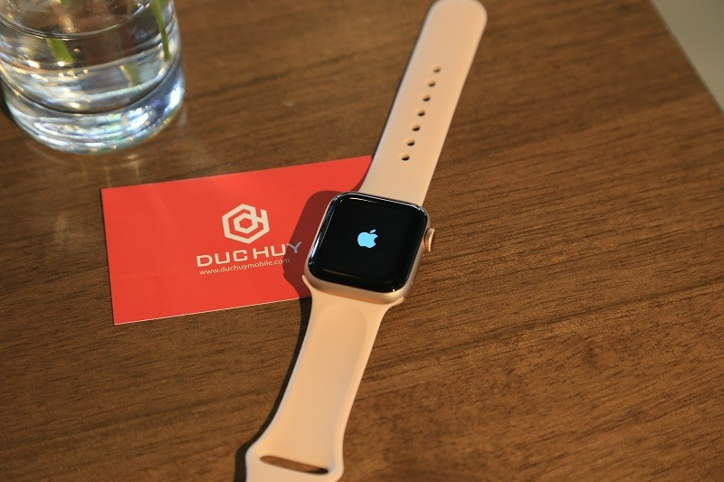 apple watch series 4 40mm lte mới chưa active