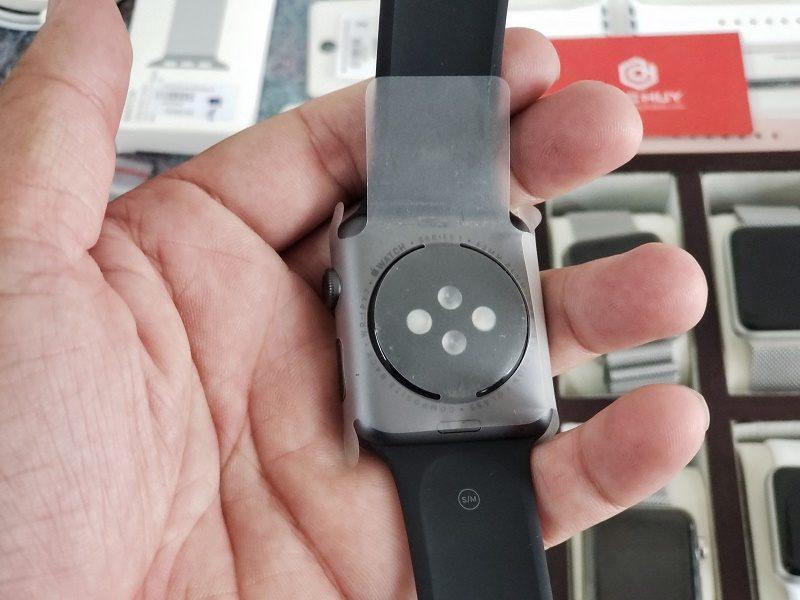 đánh giá apple watch series 1 mặt lưng