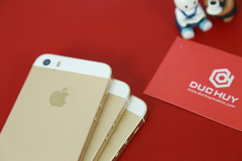 bộ đôi iphone 5s se giá 2 triệu camera