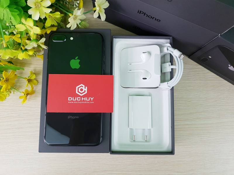 Nên mua iPhone 8 Plus cũ hay Samsung Galaxy Note 9 cũ 5