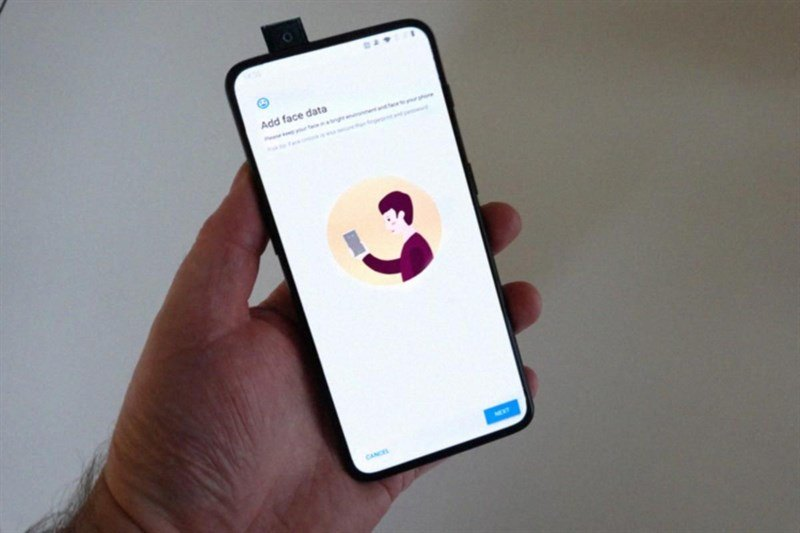 oneplus 7 trên tay camera pop up
