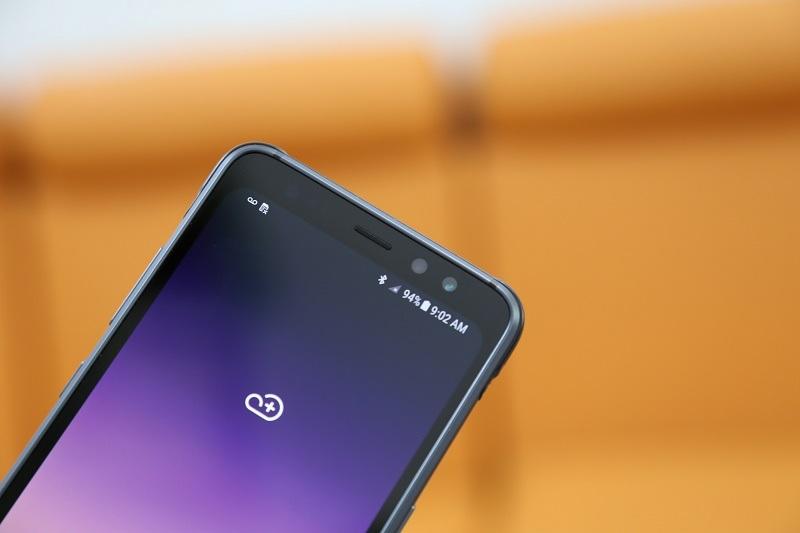 samsung galaxy s8 cạnh trên màn hình
