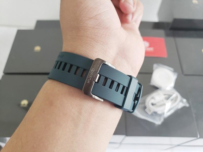 đánh giá đồng hồ huawei watch gt dây nhựa