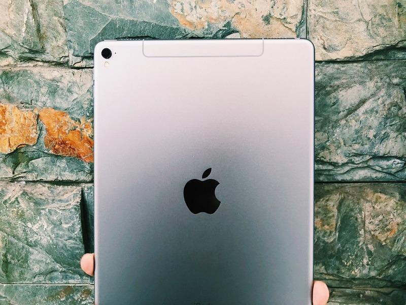 đánh giá ipad pro 9.7 inch mặt lưng