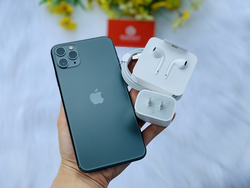 iPhone 11 Pro sở hữu viên pin có dung lượng khá lớn.