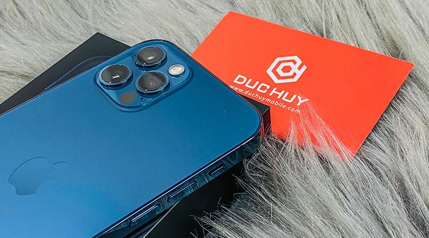 iPhone 12 Pro sở hữu 3 camera 12MP