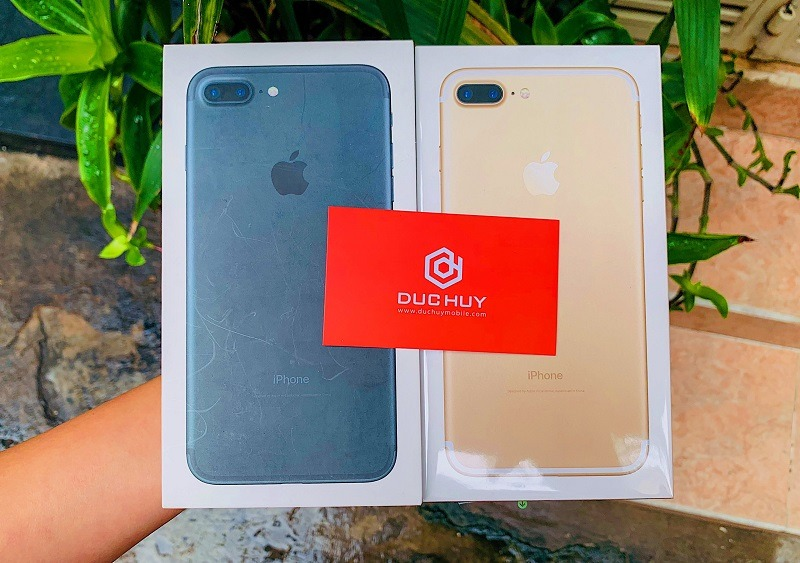 canh-ben-iphone-7-plus-32gb-quoc-te-duchuymobile