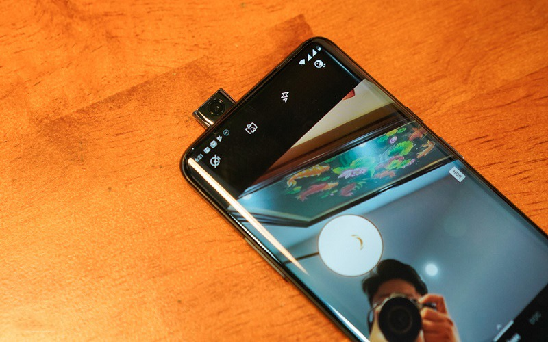 oneplus 7 pro mở hộp camera pop up