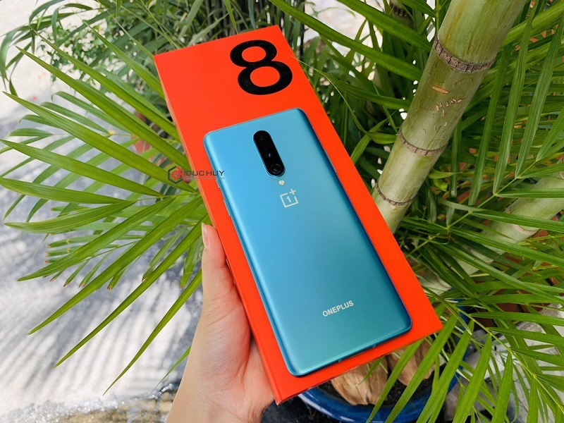 đánh giá oneplus 8 thiết kế