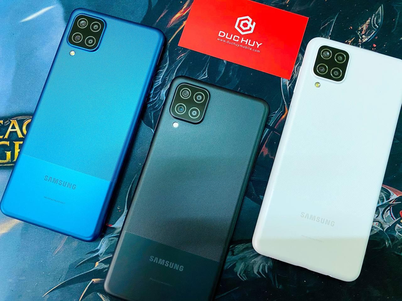 samsung galaxy a12 bán ra 3 màu xanh, đen, trắng