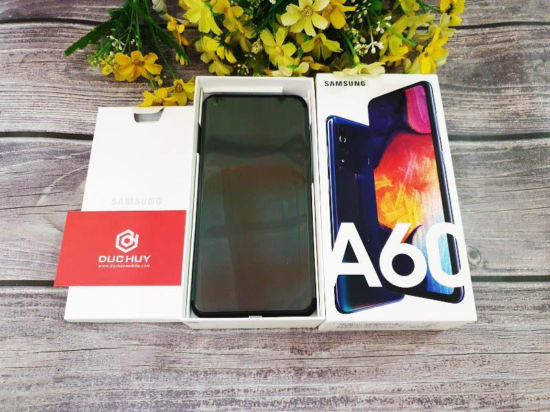 Đánh giá Samsung Galaxy A60 màn hình