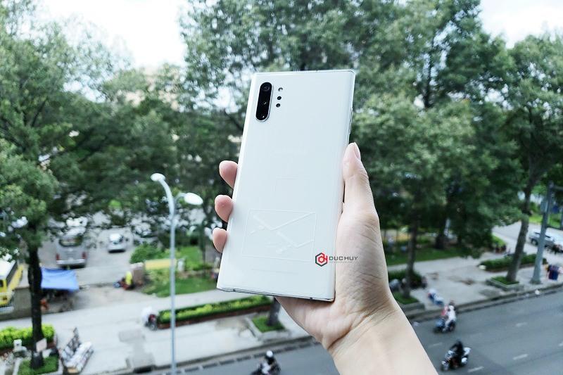 Samsung Galaxy Note 10 Plus 5G có thiết kế ấn tượng