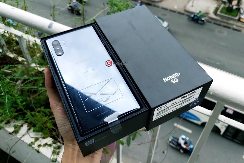 đập hộp và trên tay note 10 plus 5g màu đen
