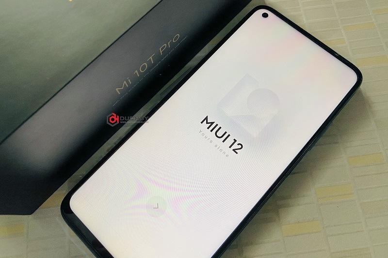 đánh giá xiaomi mi 10t pro chính hãng màn hình