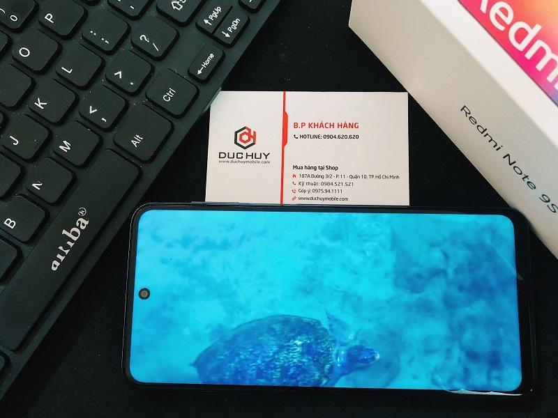 Xiaomi Redmi Note 9S có màn hình lớn