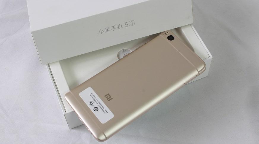 xiaomi-mi-5s-hinh-slide-mat-sau
