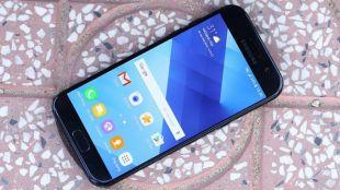 top-4-smartphone-samsung-cong-ty-pin-tot-camera-dep-gia-4-7-trieu