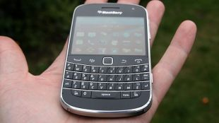 tren-tay-blackberry-9900-bold-duchuymobile