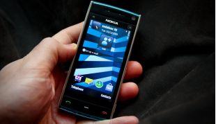 Nokia-Xpress-va-Nokia-X6-13